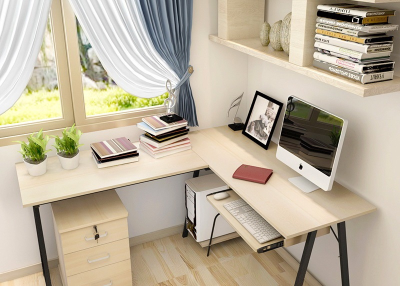 рабочий стол с ноутбуком